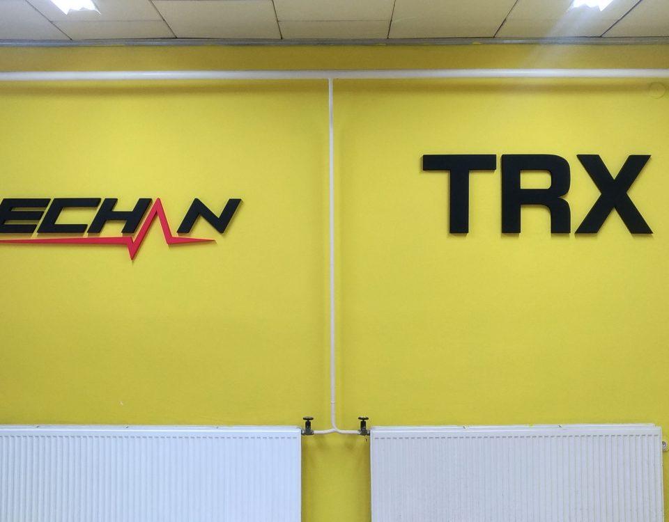 3D logo z polystyrenu TRX a lechan